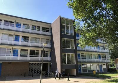 Bart Verhallenplein 25 in Schiedam 3122 TB