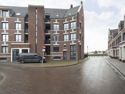 Terreplein 54 in Geertruidenberg 4931 DL