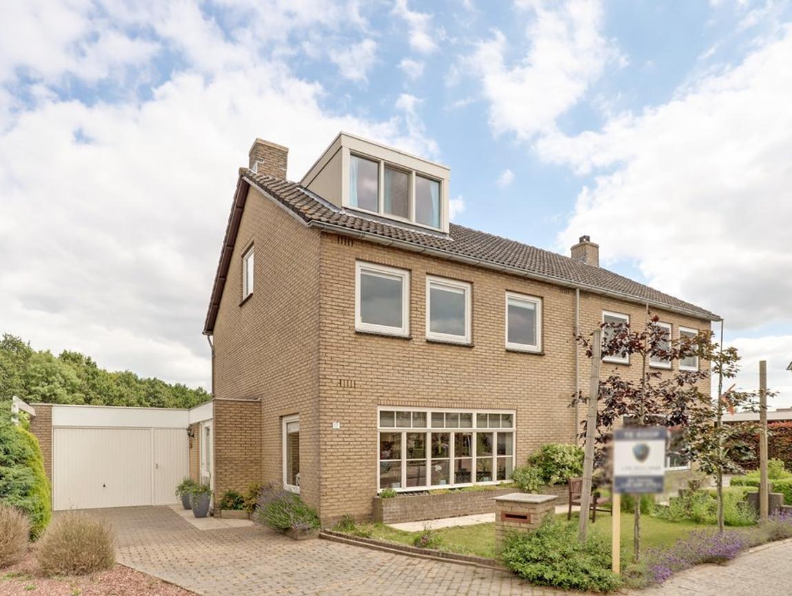 Den Walhoeck 17 in Sint Jansteen 4564 DE