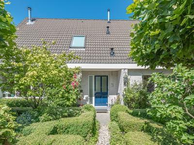 Zuiderhout 61 in Blokker 1695 AT