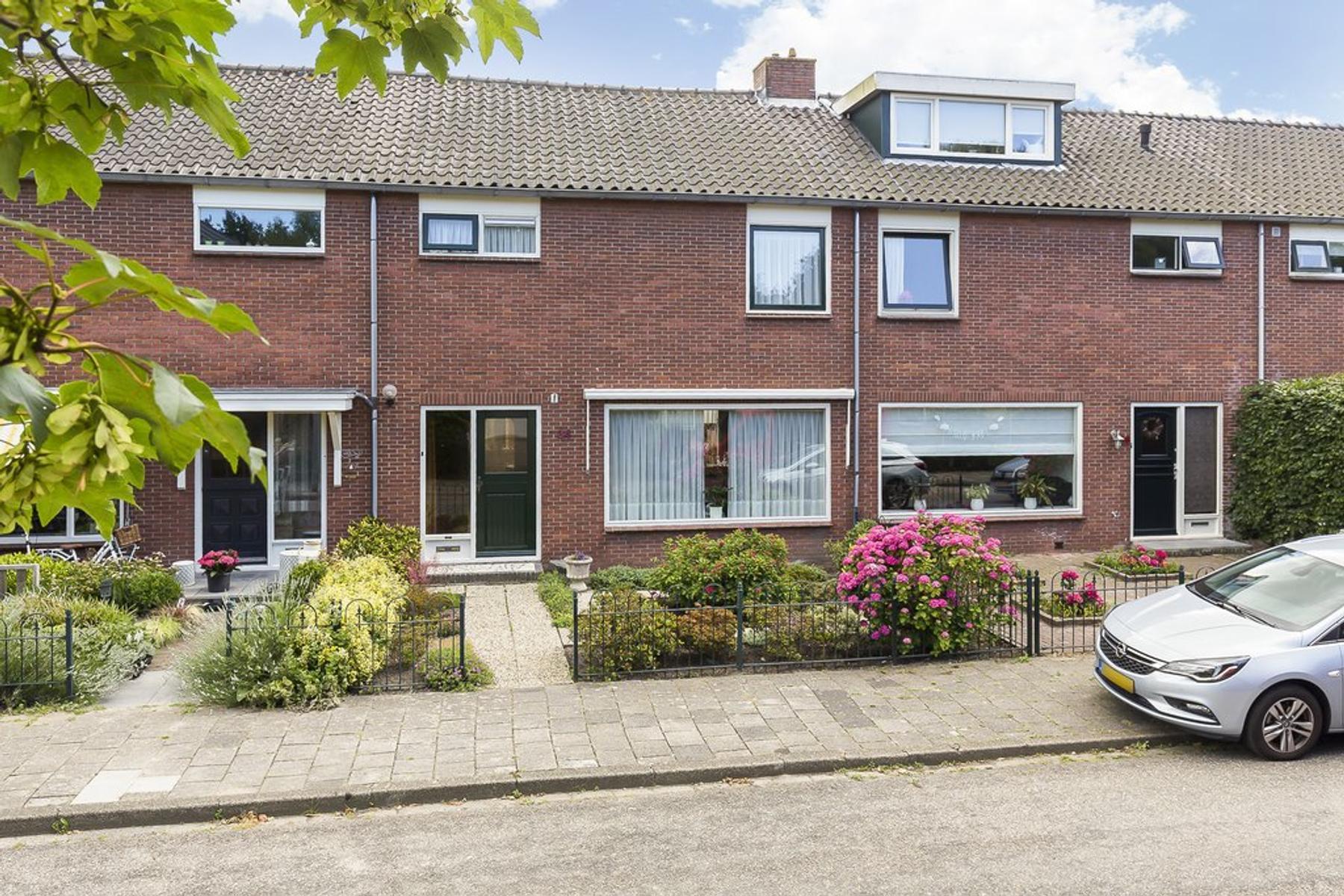 Sportveldweg 34 in Nieuw-Vennep 2151 CC