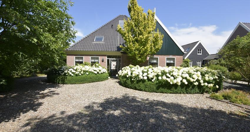 Dorpsweg 79 in Schellinkhout 1697 KD