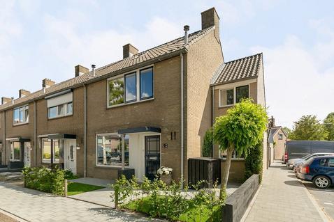 Plutostraat 16 in Nieuw-Lekkerland 2957 SP