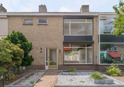Hubert Van Nispenstraat 3 in Valkenswaard 5554 SN