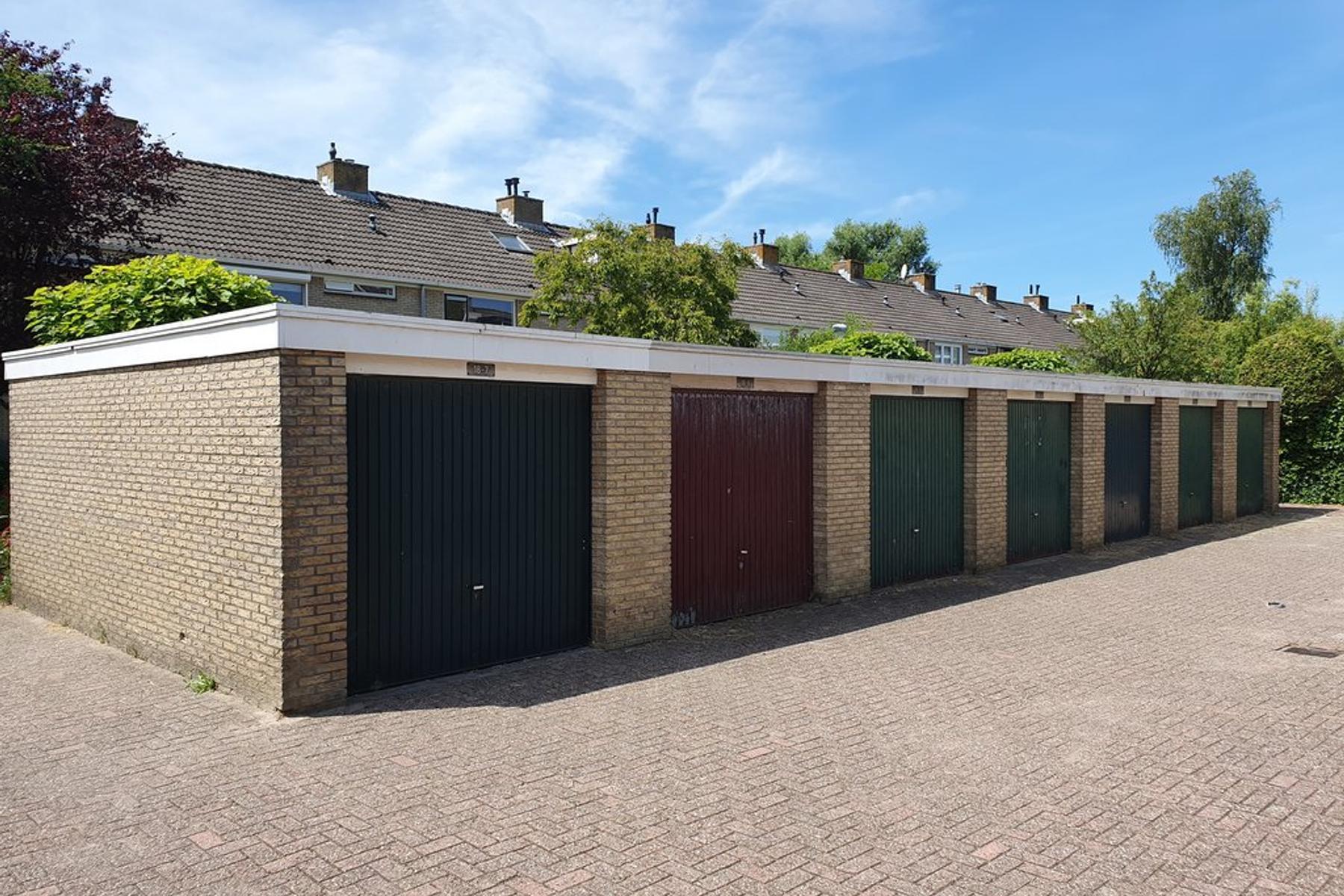 Graan Voor Visch 18810 D in Hoofddorp 2132 GJ