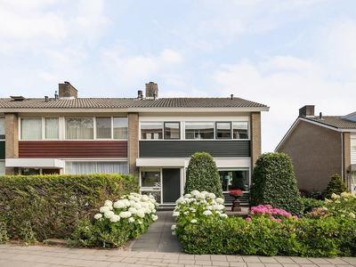 Vrijhof 38 in Krimpen Aan Den IJssel 2923 BS