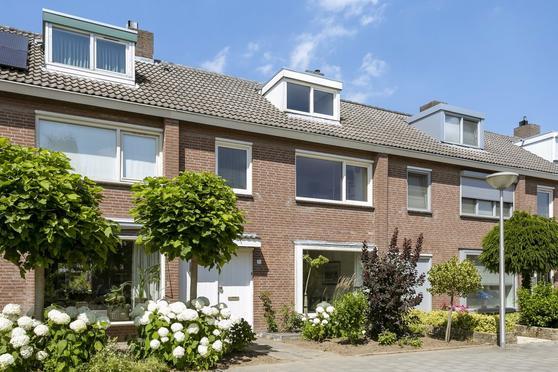 Busweg 35 in Eindhoven 5632 PL