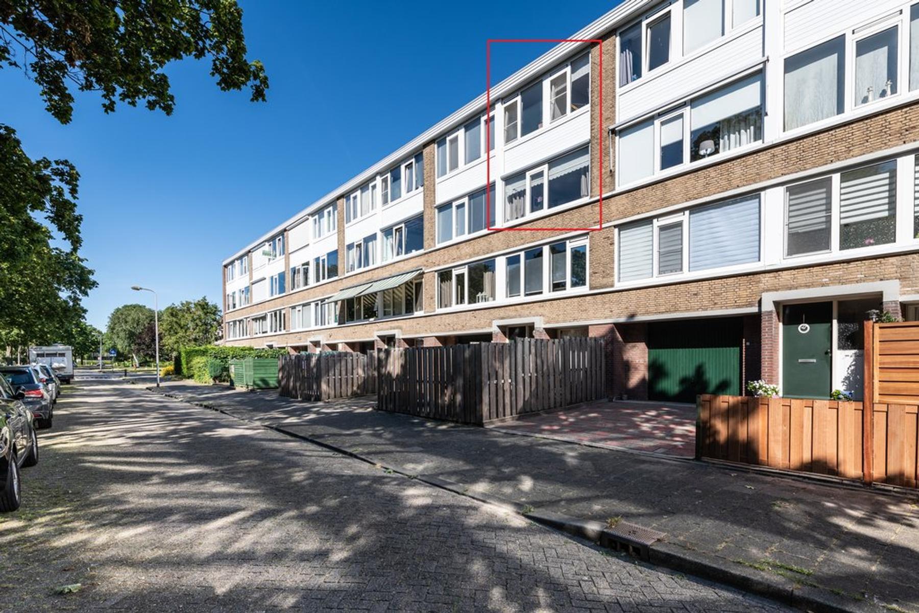 Ruwaardlaan 180 in Ridderkerk 2983 CN