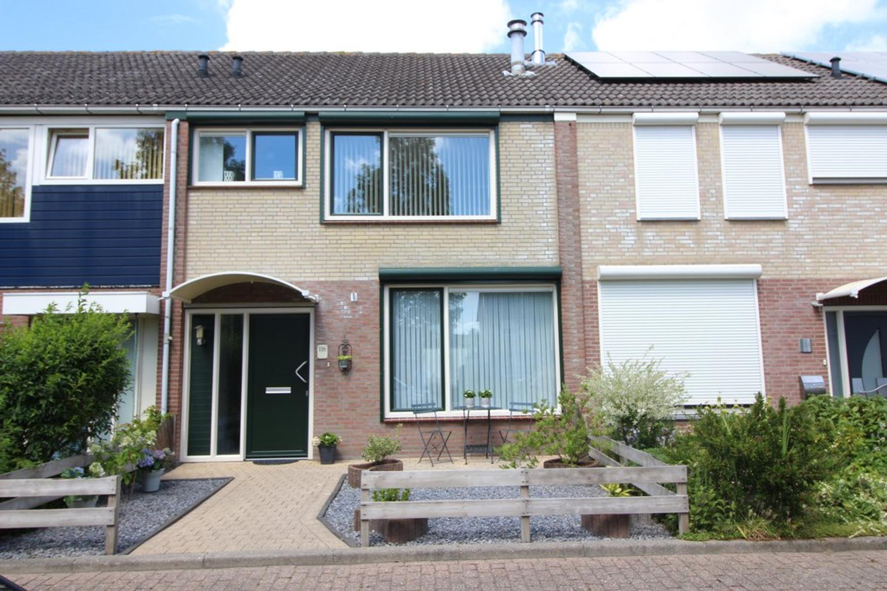 Irisstraat 116 in Hoek 4542 EJ