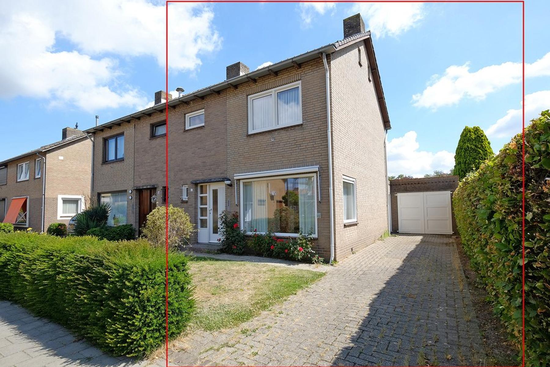 Onderkampstraat 11 in Susteren 6114 EN