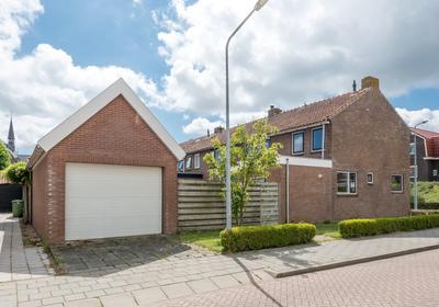 Schoolstraat 22 in Oude-Tonge 3255 AV