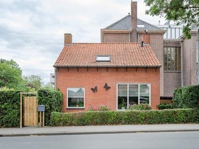 Raadhuislaan 2 in Grootebroek 1613 KR
