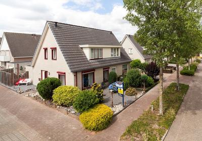 De Huisakker 23 in 'S-Heerenberg 7041 TE