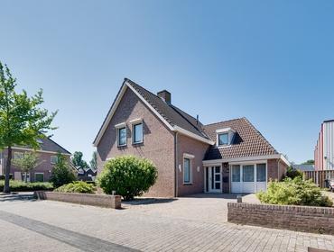 Robijnborch 11 in Rosmalen 5241 LK