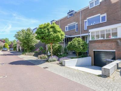 Luchtenburg 24 in Dordrecht 3328 AM