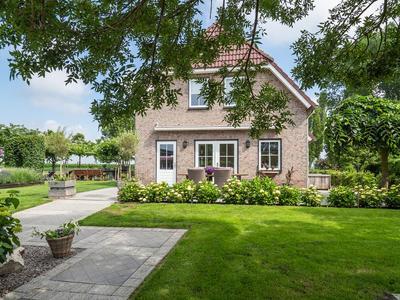 Slotstraat 25 & 25 A in Opijnen 4184 EB