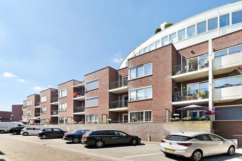 Lange Beekstraat 28 in Amersfoort 3817 AN