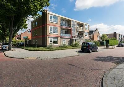Antillenstraat 9 in Santpoort-Noord 2071 VL