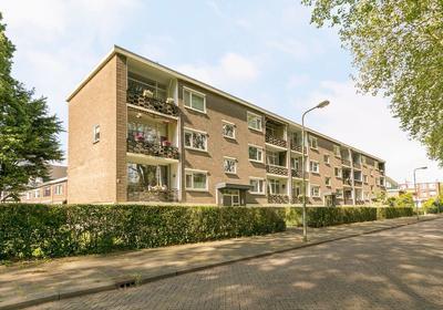 Jhr. Van Karnebeekweg 34 in Ridderkerk 2982 VL