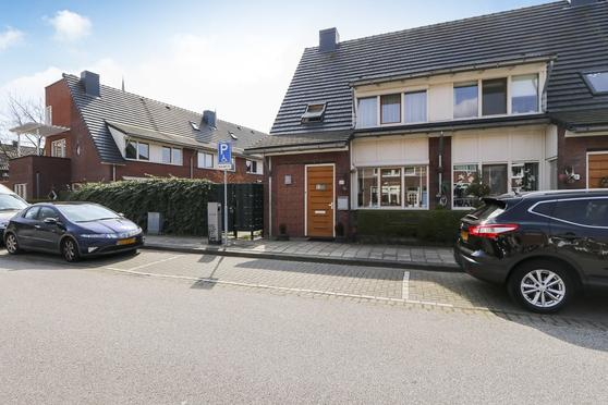 De Josselin De Jongstraat 21 in Dordrecht 3314 VB