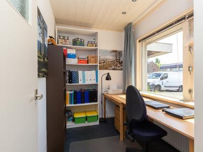 Staringstraat 59 in Nieuw-Vennep 2152 CW