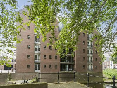 Water En Vuurplein 23 in 'S-Hertogenbosch 5211 WS