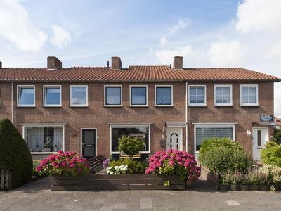 Ina Boudier-Bakkerstraat 18 in Vianen 4132 XP