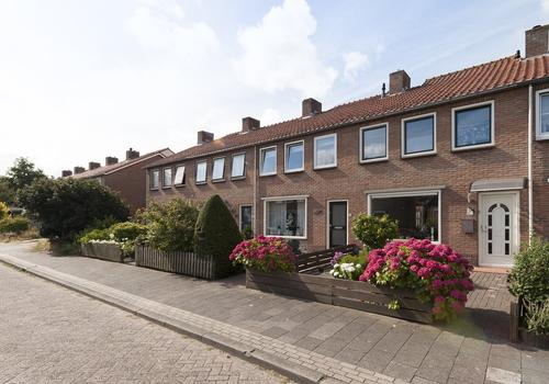 Ina Boudier-Bakkerstraat 18 in Vianen 4132 XP