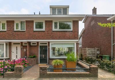 Kerkweg 227 in Ridderkerk 2985 AS