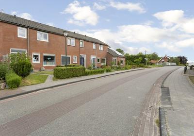 Dorpsstraat 7 in Kommerzijl 9881 PA