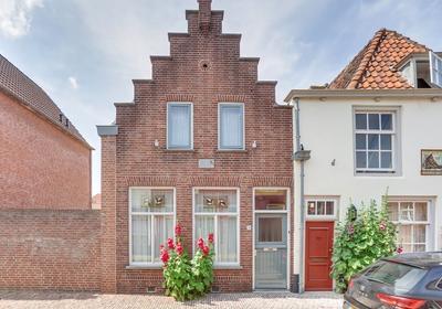 Dordtsestraat 26 in Geertruidenberg 4931 BB