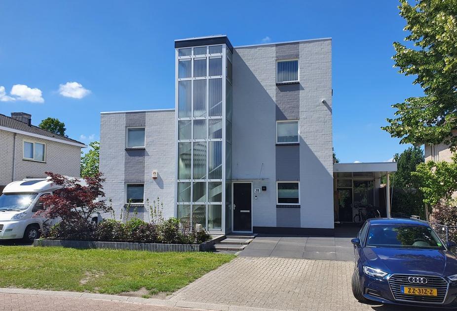 Simone Signoretstraat 10 in Almere 1325 LE