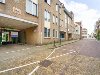Lange Noodgodsstraat 42 in Gouda 2801 RS