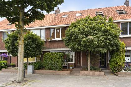 Pastoor Oomenstraat 19 in Rijen 5121 EN