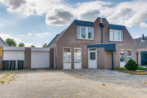 Kruiningenstraat 54 in Tilburg 5045 PX