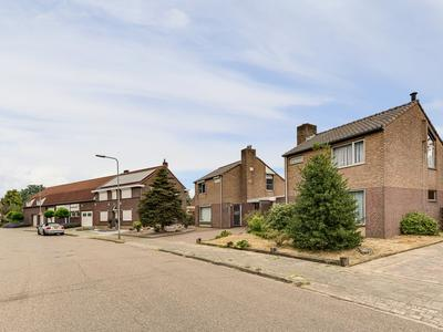 Vlasstraat 18 in Heythuysen 6093 EG