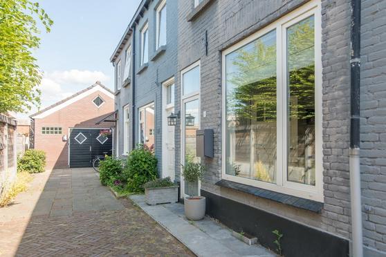 Nieuweweg 88 in Veenendaal 3905 LP