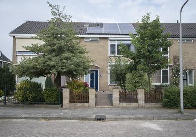 Van Oldenbarneveltstraat 4 in Alblasserdam 2953 BR