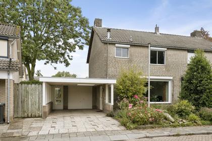 Deken W.A. Van Doornstraat 11 in Hedel 5321 VH