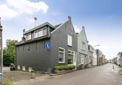 Dorpsstraat 31 in Heinenoord 3274 BB