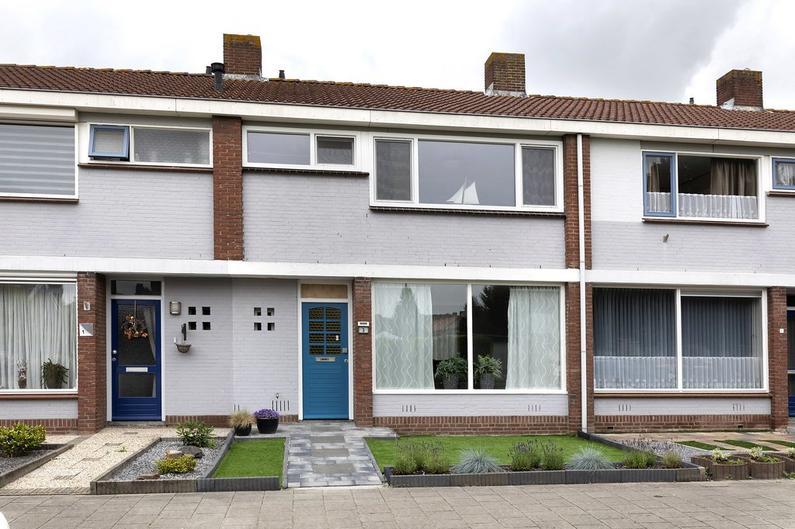 De Lignestraat 3 in Zevenbergen 4761 JP
