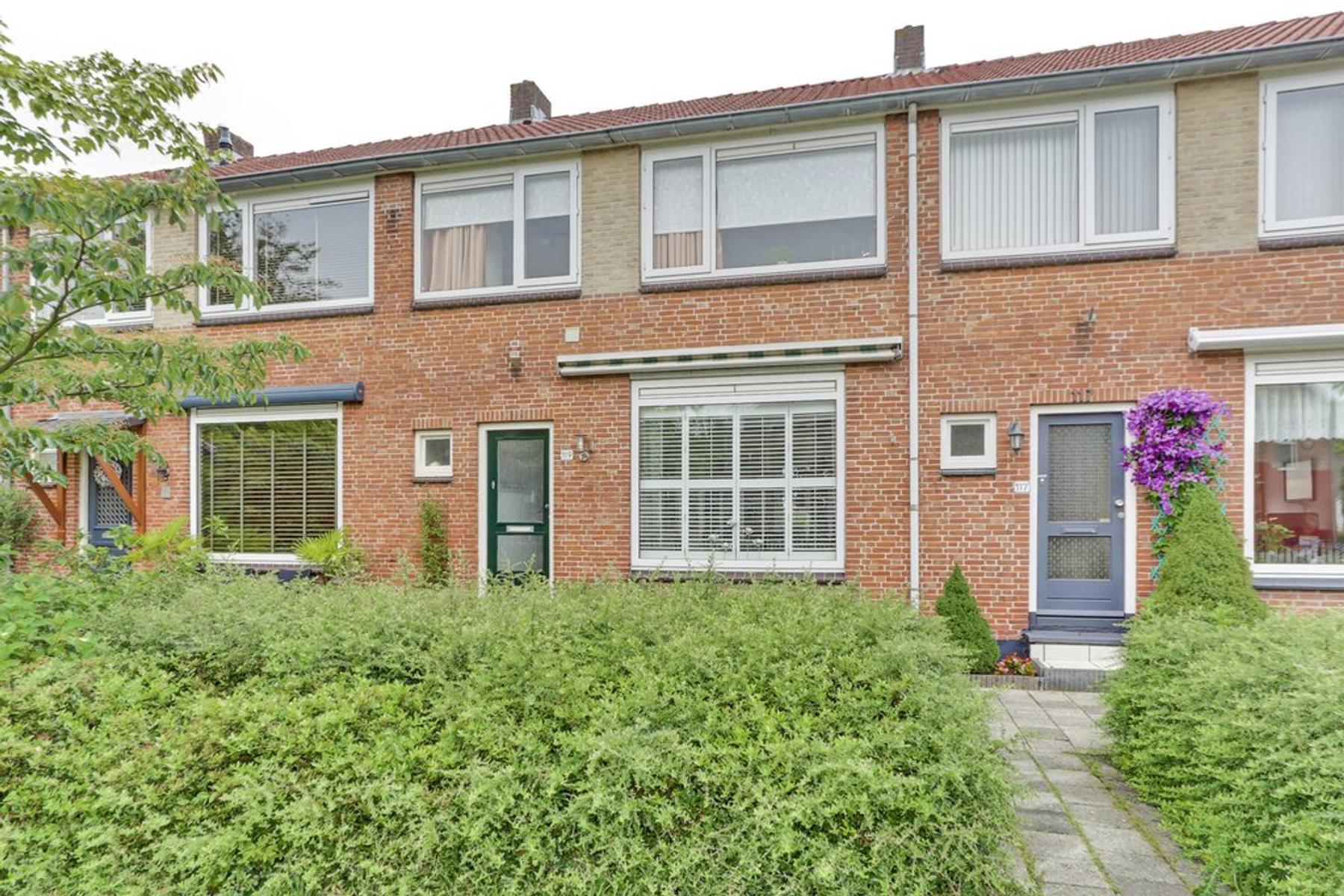 Slagveld 119 in Zwijndrecht 3332 BN