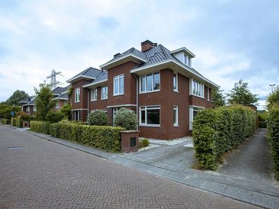 Burgemeester Verver-Aartsenlaan 8 in Voorschoten 2254 BA