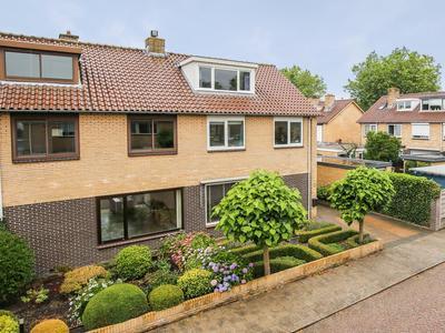 De Genestetstraat 2 in Harderwijk 3842 XB