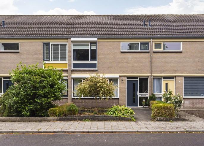 Catharina Van Renneslaan 13 in Almelo 7604 KT