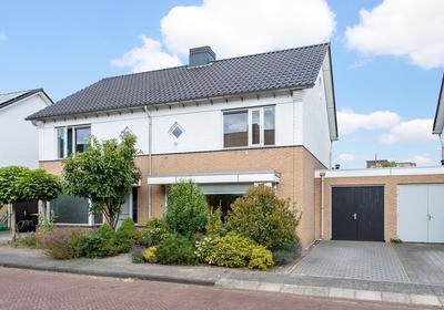 Tuinfluiterstraat 11 in Hengelo 7557 BZ