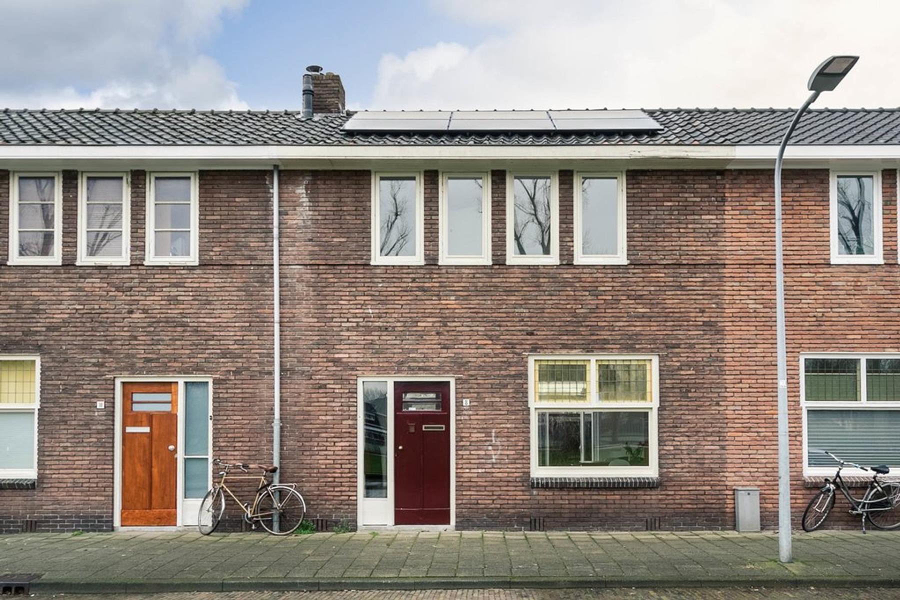 Gouwweteringkade 8 in Haarlem 2033 NS