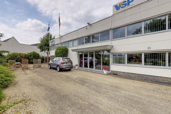 Steurweg 1 in Raamsdonksveer 4941 VP