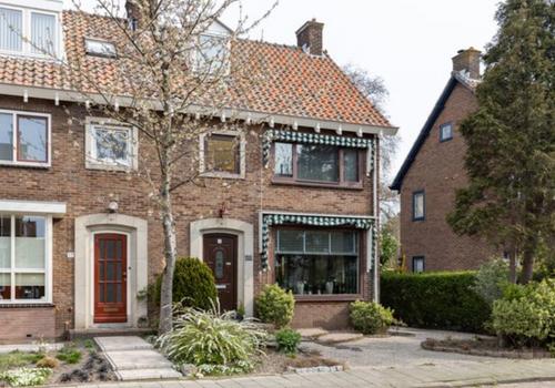 Prinses Beatrixstraat 15 in Zwijndrecht 3331 GP