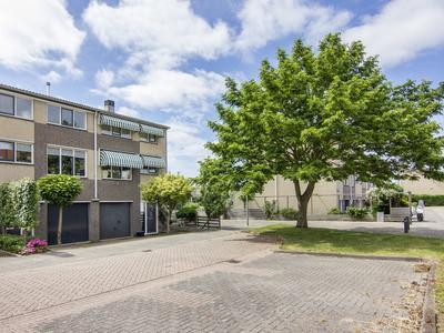 Johanna Westerdijkstraat 4 in Velserbroek 1991 SV